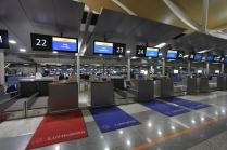 Balcão de check-in da Lufthansa no aeroporto de Shanghai, Pudong.