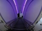 Escada para o primeiro piso do avião
